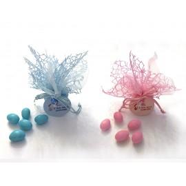Sacchetto in tulle e rete rosa o azzurro con 5 confetti ciocomandorla e bigliettino personalizzato